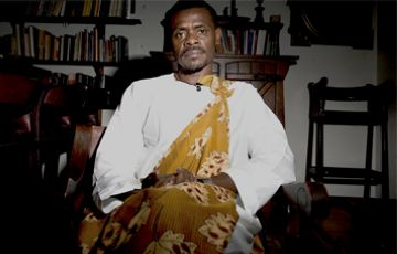 L'escriptor equatoguineà Ávila Laurel, en vaga de fam a Sant Cugat contra el règim d'Obiang