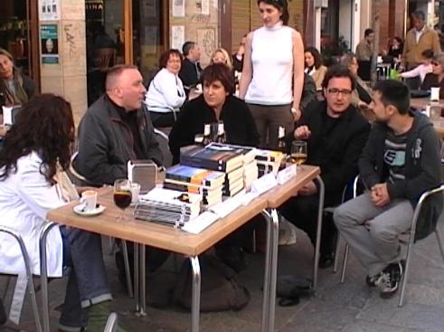Cinc escriptors signen els seus llibres a Sant Cugat en una 'prèvia' del Sant Jordi