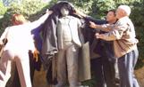 Les estàtues de l'entorn del Monestir mantindran la seva ubicació i es descarta un trasllat