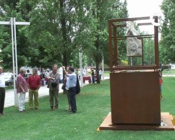 Coll Favà enforteix el seu vincle amb la literatura amb la inauguració de tres escultures