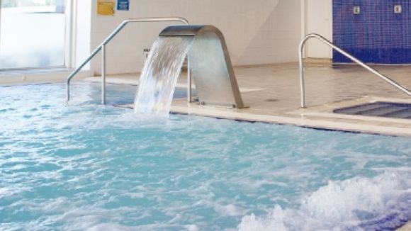 S'obre la porta per crear un abonament exclusiu per usar la piscina del Fitness