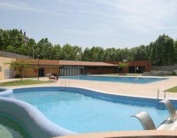 Les piscines municipals tenen nou horari a l'agost