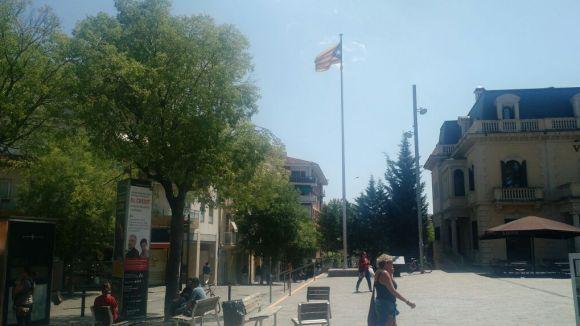 La Junta Electoral confirma que l'estelada pot onejar a la plaça de Lluís Millet