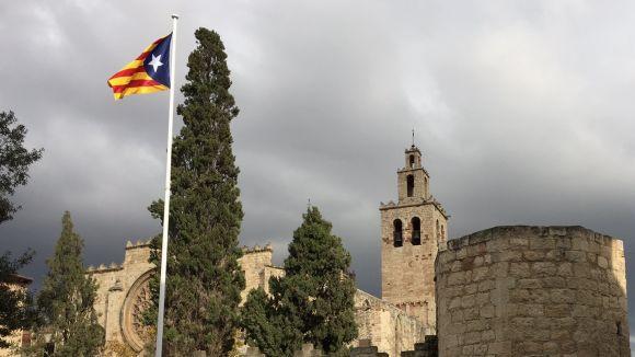 El TSJC desestima el recurs de l'Ajuntament contra la sentència que obligava a retirar l'estelada de l'espai públic