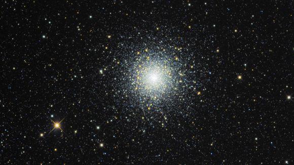 El físic Juan Carlos Sañudo parla al Casal de Mira-sol dels canvis al cel durant l'any