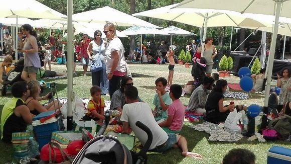 Més d'un centenar de persones desafia la calor a l'Estovallada de Festa Major