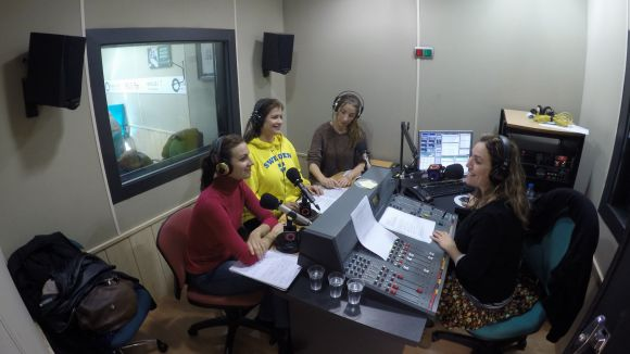 Cristina Casale, Ana Häsler, Patrícia de No i Jessica Sotodosos a l'estudi 2 de Cugat.cat