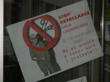 Seguiment desigual de la vaga als campus universitaris de la ciutat