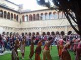L'Esbart Sant Cugat va ballar sota la mirada dels ciutadans comunitaris