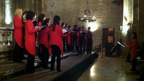 El cor Exaudio prega a la Verge en un concert 'a capella' al Monestir