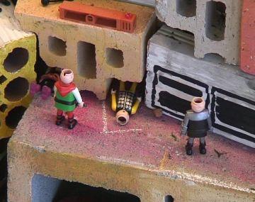 'Una favela a petita escala' s'instal·la al vestíbul de l'ajuntament