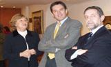 Montserrat Masdeu amb l'alcalde Recoder i el director de la Sala Rusiñol
