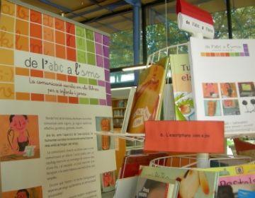 'De l'ABC a l'SMS', la nova exposició per a infants i joves a la Biblioteca de Sant Cugat