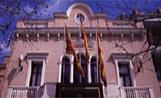 ERC denuncia la presència de la bandera espanyola a l'Ajuntament
