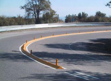 Instal·len barreres per a protegir els motoristes a la C-16, al seu pas per Sant Cugat