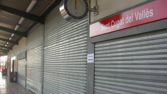 Els usuaris lamenten que Renfe no solucioni les mancances de l'estació local