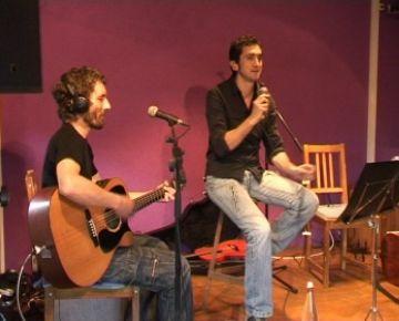 Feliu Ventura canta per felicitar els 5 anys de vida del Terra Dolça