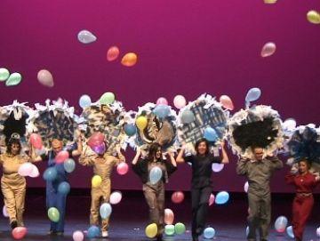 Femarec sorprèn el públic del Teatre-Auditori amb 'Manual d'instruccions'