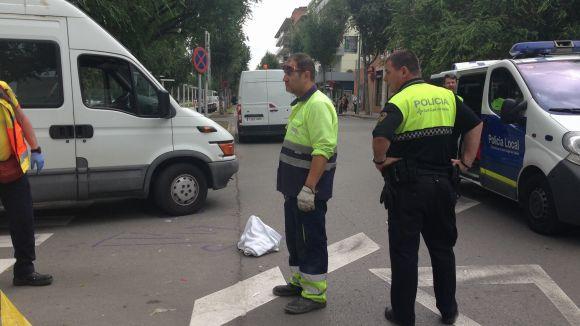 Una ferida greu en un atropellament al carrer de Puig i Cadafalch