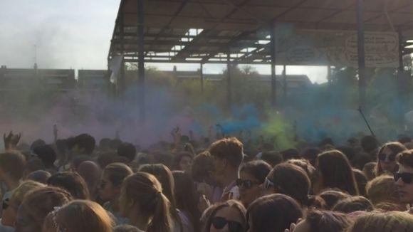Esclat de color amb la Festa Holi