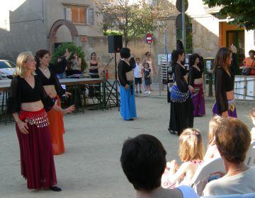 Celebració de la fi de curs a l'Ateneu a la plaça Pep Ventura