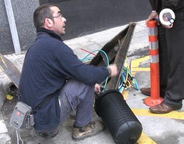 La xarxa de fibra òptica ja ofereix banda ampla de 50 Mb a tot el nucli urbà i als nous barris