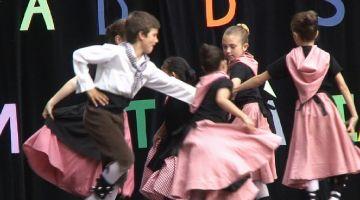 El Grup Mediterrània acomiada sobre l'escenari un curs amb el doble de dansaires