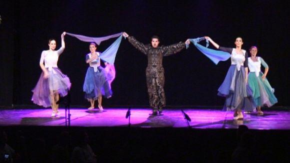 Els balls del Grup Mediterrània reinterprenten la dansa catalana tradicional