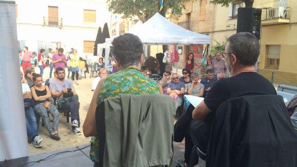 L'economia social i solidària es dóna a conèixer en una fira a la plaça de Pep Ventura