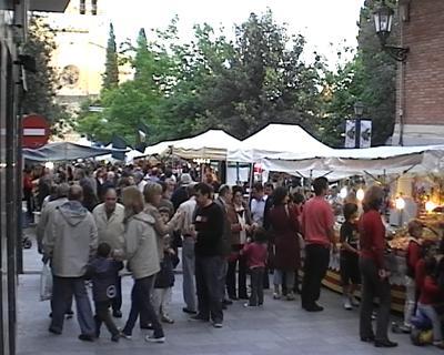 La Fira de Sant Ponç omple la plaça d'Octavià de productes artesanals