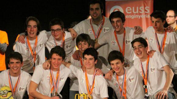 Un grup d'alumnes del Viaró, subcampió de la First Lego League Barcelona