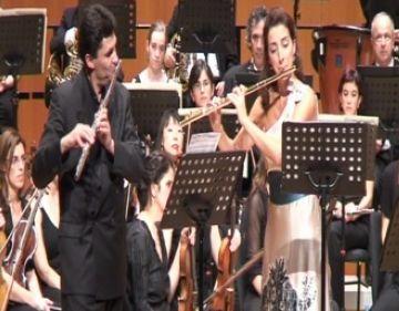 Els flautistes Patrícia de No i Vincent Lucas tenyeixen de seducció el concert de l'OSSC