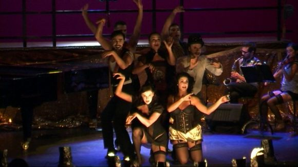'Flor de nit' converteix la Barcelona d'entreguerres en un cabaret