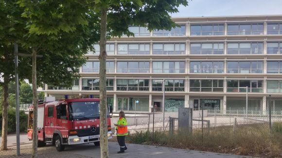 Apagat l'incendi a un quadre elèctric de l'edifici d'oficines d'Ausiàs March