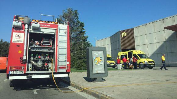 Un intoxicat i 256 evacuats al Sant Cugat Centre Comercial per un foc a la màquina de crispetes dels Yelmo