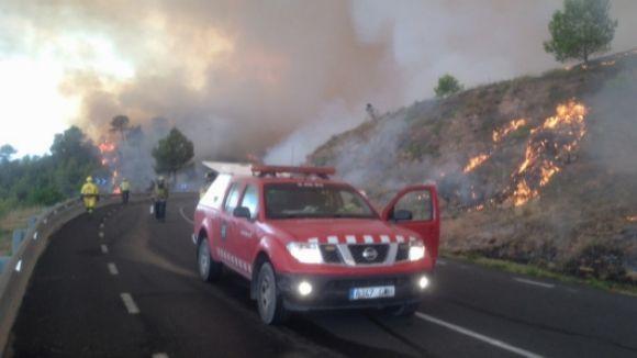 Els Bombers i l'ADF de Sant Cugat es mobilitzen contra l'incendi d'Òdena