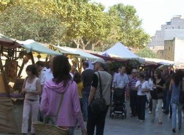 Comerciants i artesans sumen esforços per augmentar les vendes
