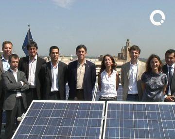L'Ajuntament instal·la 125 metres quadrats de plaques fotovoltaiques a la coberta del consistori
