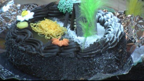 La mona de xocolata torna a arrasar a les pastisseries de Sant Cugat