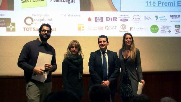 Mercè Rullan, segona per l'esquerra, recull el primer premi per 'Passant-ho bé a l''skatepark''