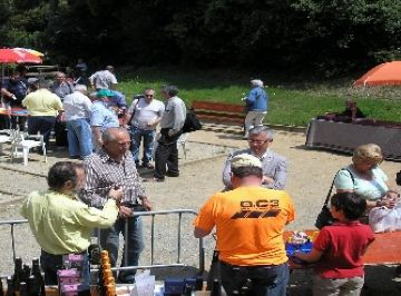 La 7a trobada de col·leccionistes de plaques de cava guanya participació i es planteja canviar de lloc