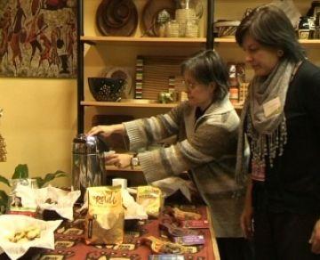 La botiga d'Intermón Oxfam a Sant Cugat celebra el seu segon aniversari