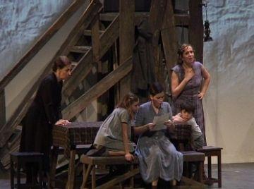'Pedra de tartera' trasbalsa els espectadors amb un relat i unes interpretacions punyents