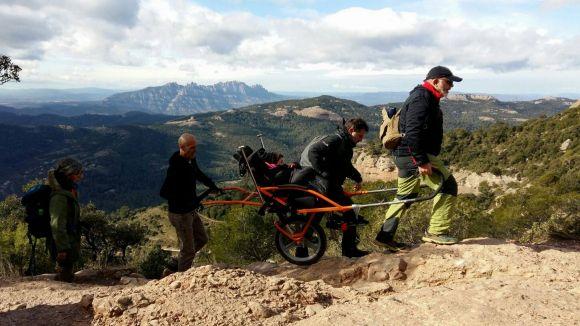 Una persona amb mobilitat reduïda pujarà el Puigmal per primera vegada gràcies a Rodamunt