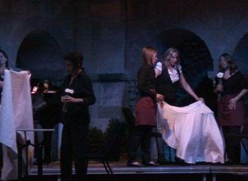 'Tempo d'Amore' repassa el tema universal de l'amor en una peça inèdita al Claustre del Monestir
