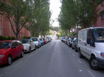 Polèmica a l'entorn del col·legi Europa per la possible instal·lació d'una zona d'aparcament