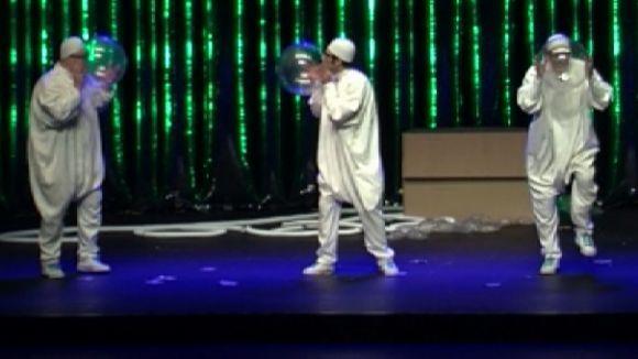 La nissaga de pallassos Aragón presenta al Teatre-Auditori un clown més actual amb l'espectacle 'Aire'