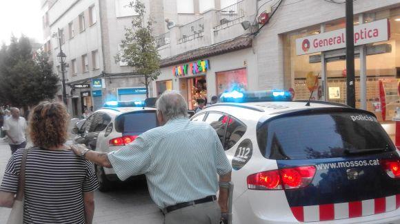 Els Mossos frustren un furt a una òptica del carrer de Santiago Rusiñol