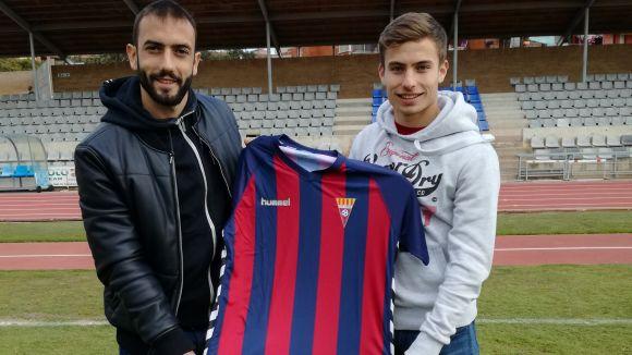 Enric Franquesa, a la dreta, amb la samarreta del Gavà / Font: