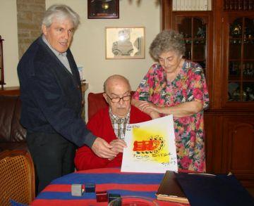 Félez entrega la litografia de la Penya Mil·leni a Casas